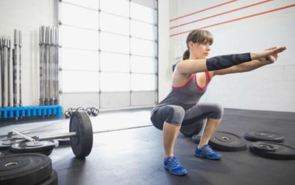 10 ejercicios para estar delgada y que puedes hacer en cualquier lugar (FOTOS)