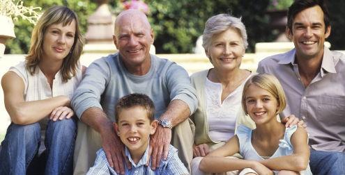 En qu momento ayudar a las personas mayores salud180 - Compartir piso con personas mayores ...