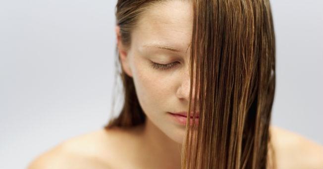Tips para evitar la caída del cabello  8fb62f492710
