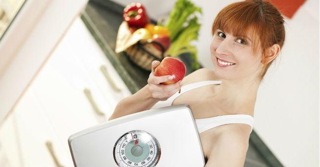 como calcular las calorias que debo consumir diarias