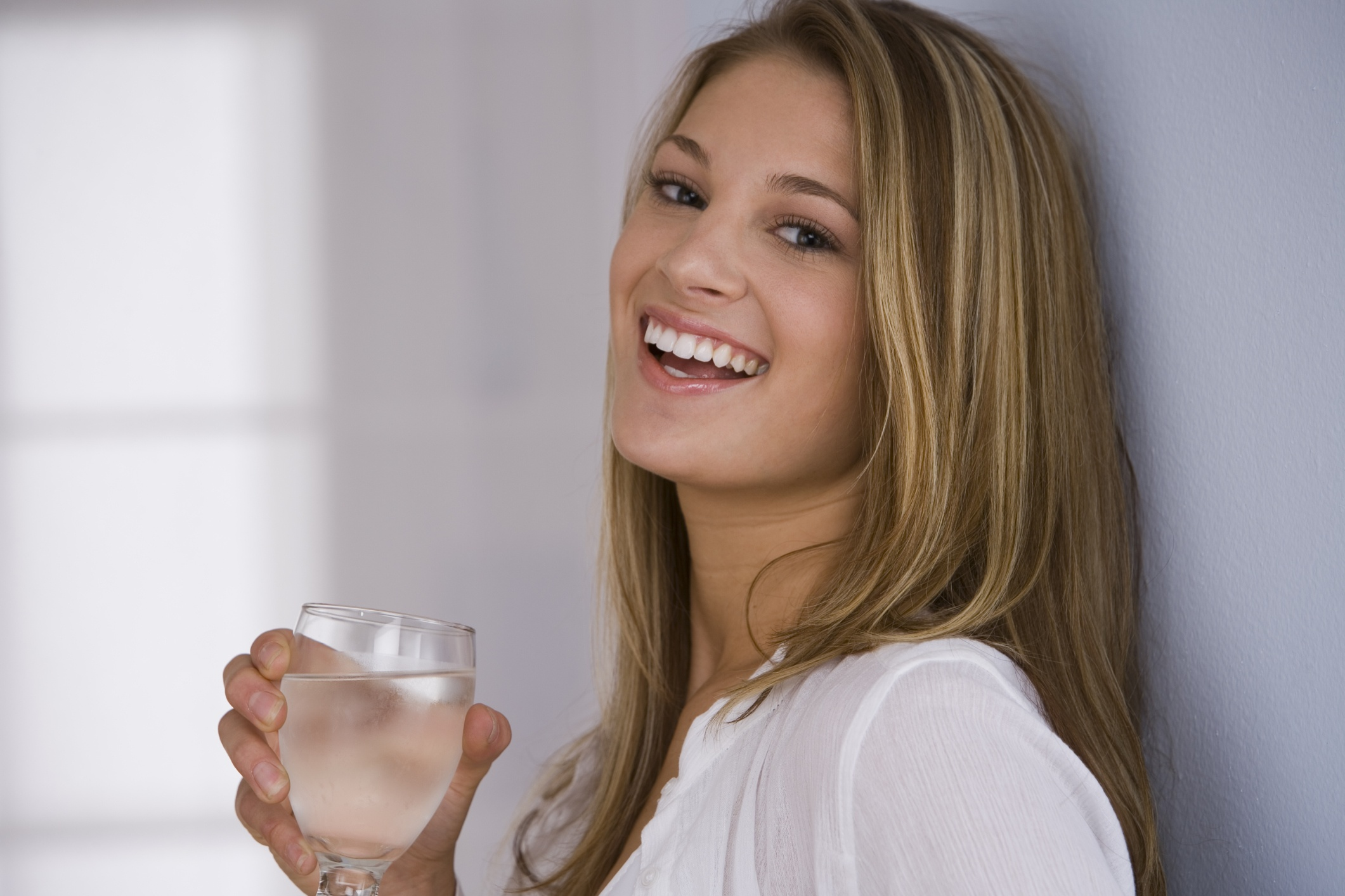 5 trucos para beber m s agua bienestar180 - Agua para beber ...