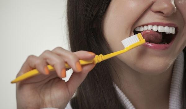 Conoce cada cuando debes cambiar tu cepillo de dientes. Cortesía Photos.com cc061aeeb2fe