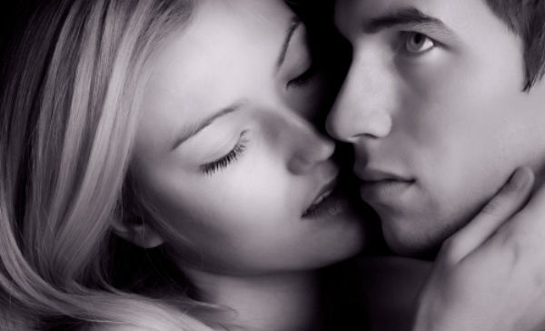 Pasar una noche sin tu pareja mejora tu vida sexual