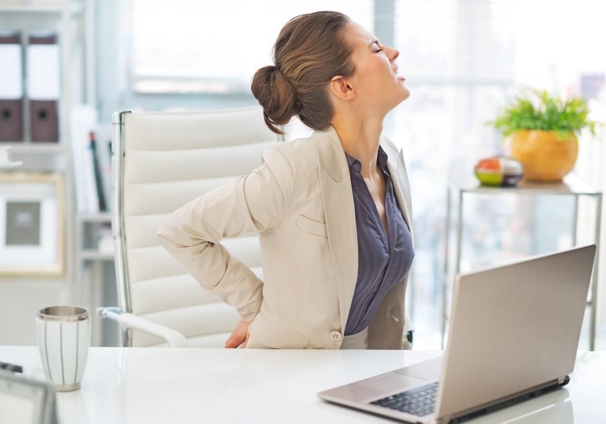 Cómo aliviar el dolor de espalda en la oficina?