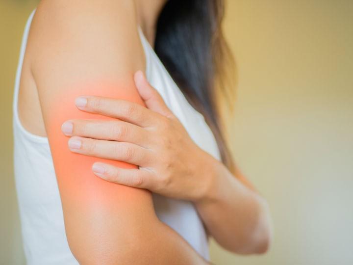 infarto dolor de brazo derecho