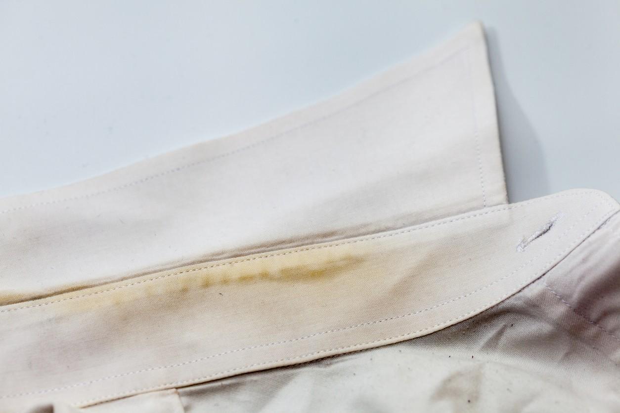 Cómo Blanquear El Cuello Y Los Puños De Las Camisas Blancas Adiós Percudido