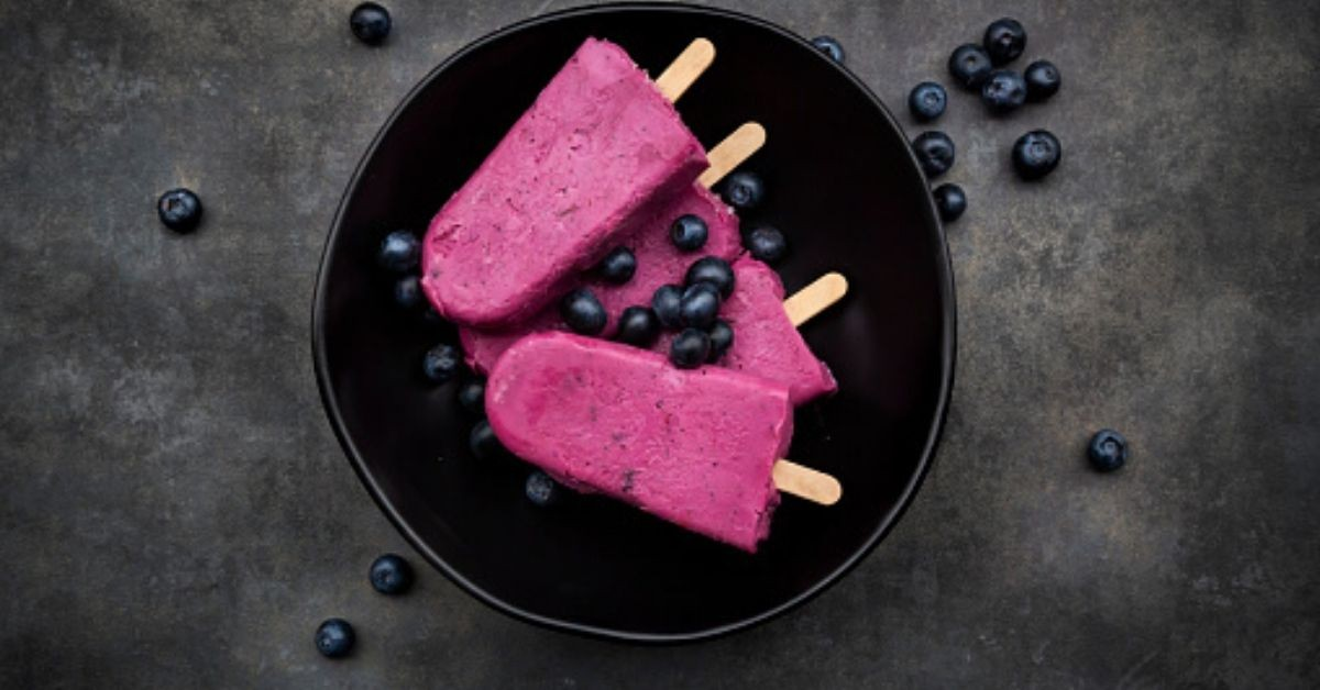 ¡Prepara deliciosas paletas de hielo de Baileys y vino tinto!