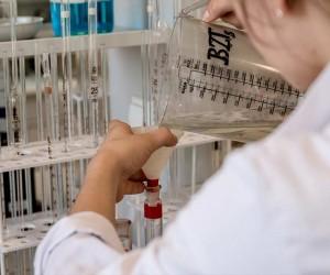 Le llenan por error los pulmones con detergente en el hospital