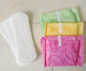 Hierven toallas sanitarias para drogarse: nueva moda entre adolescentes
