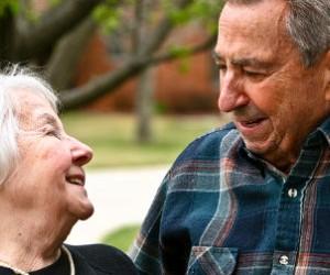Caminar fortalece el cerebro contra el Alzheimer