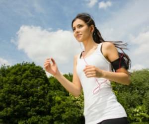 """Razones """"poco comunes"""" por qué toda mujer debería correr"""