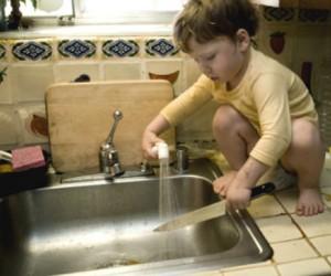 ¡Protege a tus hijos de los accidentes en casa!