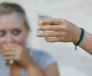 Detecta si tu hijo adolescente tiene problemas de alcohol