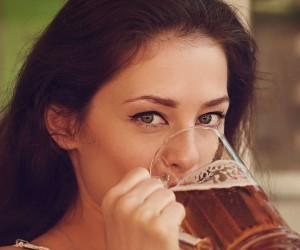 """Cerveza: tu mejor """"aliada"""" para aprender un idioma"""
