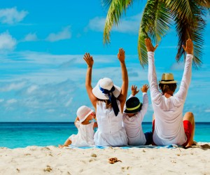 Lo que pasa cuando un niño se va de vacaciones con su familia