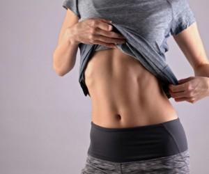 Dos movimientos para marcar líneas laterales del abdomen,¡en 10 días!