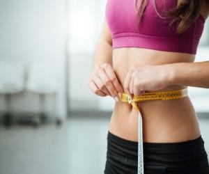 Reduce centímetros con hoja de laurel, ¡así debemos tomarla para bajar de peso!