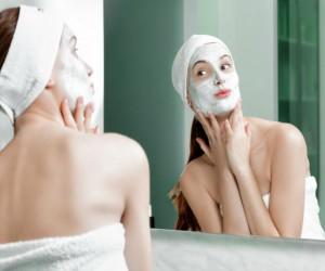 Cómo hacer una limpieza facial profunda en casa