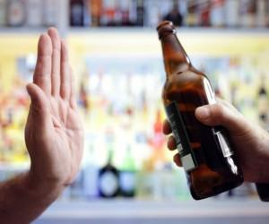 ¿Por qué no debes beber alcohol cuando tienes triglicéridos altos?