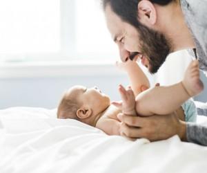 La edad del papá también afecta la salud del bebé