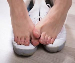 Tips para evitar mal olor en los pies aunque no uses calcetines