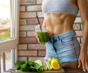 Verduras verdes para marcar los músculos