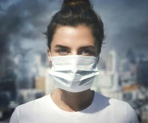 El extraño efecto que la contaminación podría tener en los adolescentes