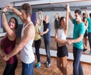 Una vida más saludable… ¡Al bailar salsa!
