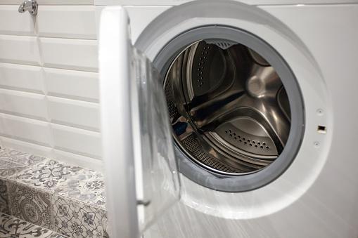 Trucos efectivos para que la lavadora no deje pelusas en tu ropa