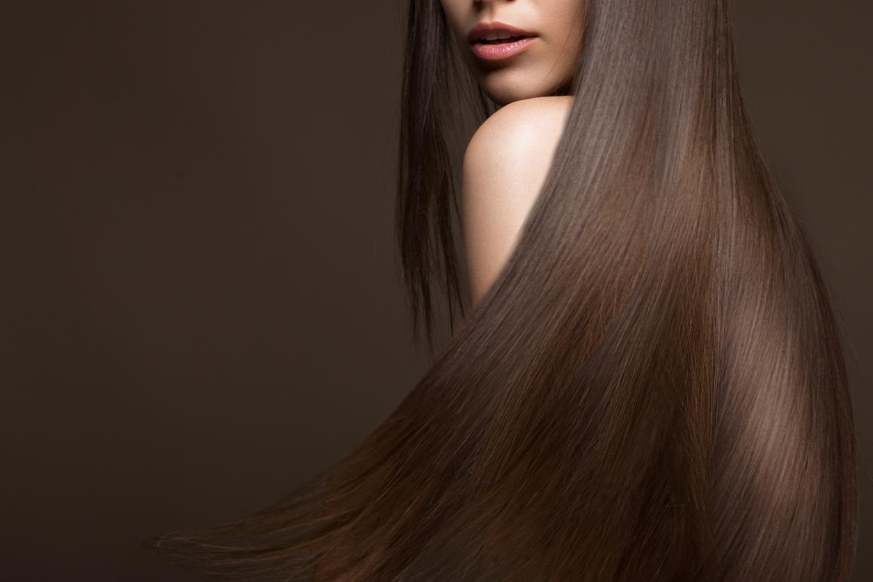 vitaminas-para-hacer-crecer-el-cabello-en-un-mes-salud180