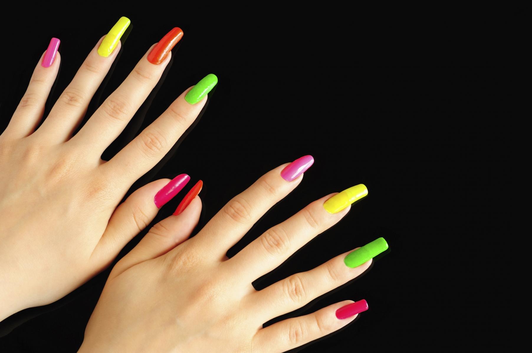 Uñas postizas dañan la salud de tus manos   Salud180