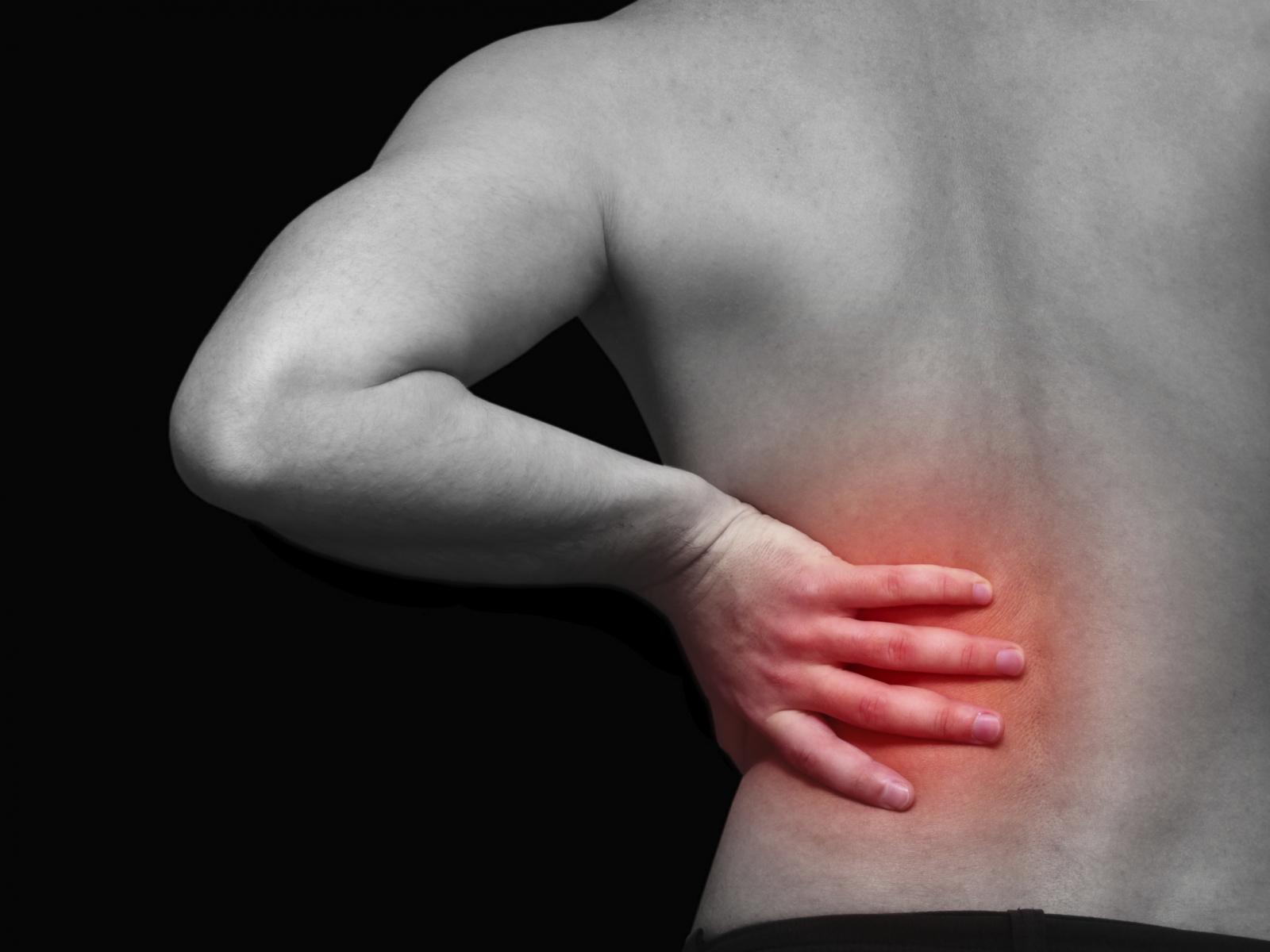 Los dolores en lo bajo del vientre y los riñones por la mañana